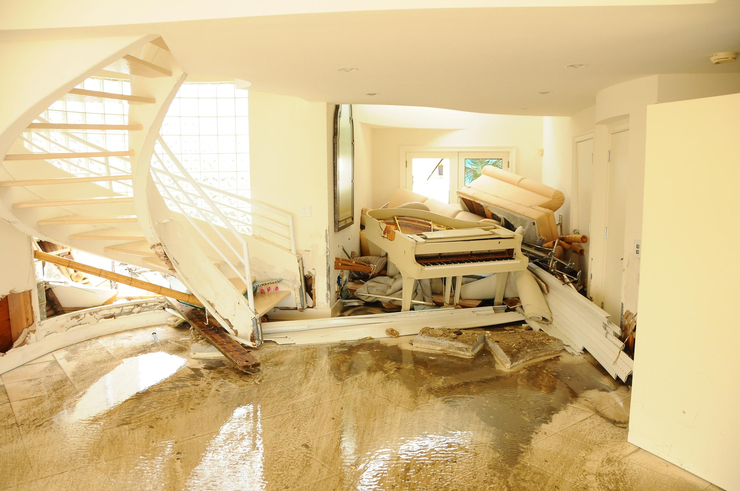 Zerstörung im Haus nach Hochwasser